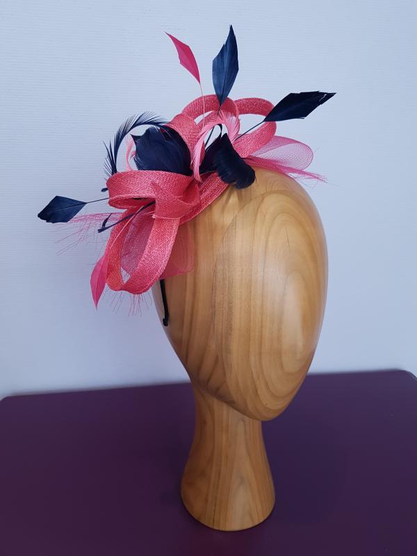 "Modèle ""Marie"" sisal rose plumes marine"